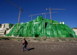 el algarrobico netting greenpeace illegal hotel